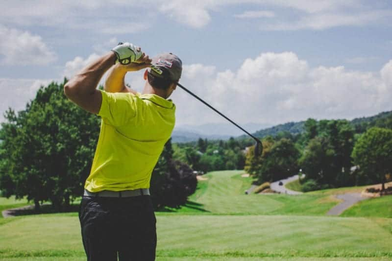 picture of a man golfing