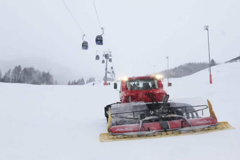 picture of a snow groomer
